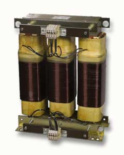 Three-phase isolating transformer